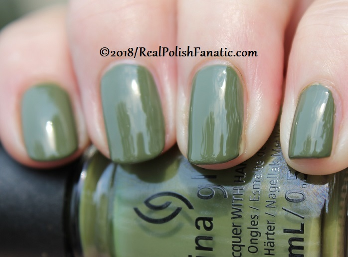 China Glaze - Central Parka -- Ready To Wear FW 18 Collection (11)