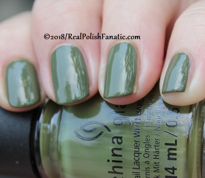 China Glaze - Central Parka -- Ready To Wear FW 18 Collection (12)