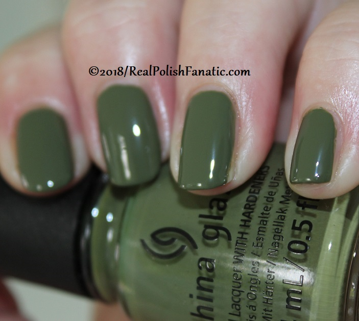 China Glaze - Central Parka -- Ready To Wear FW 18 Collection (3)