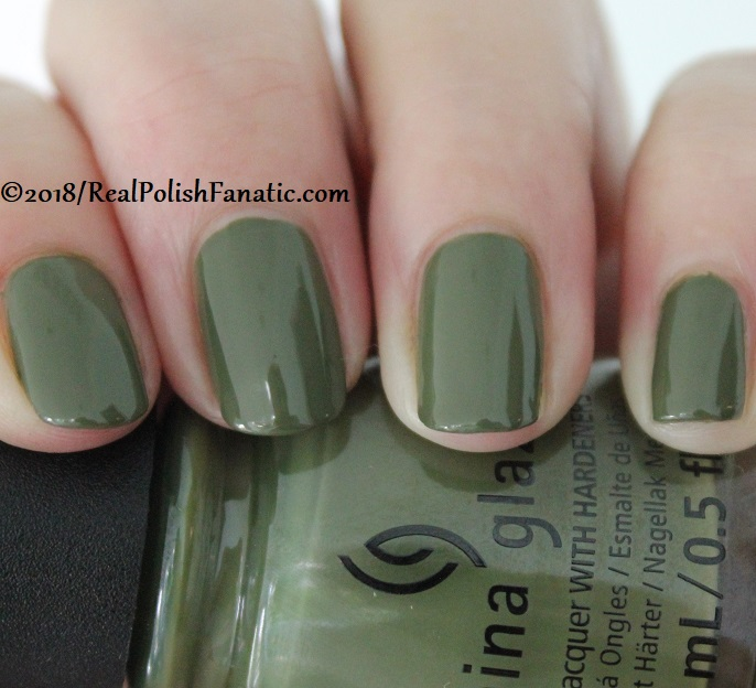 China Glaze - Central Parka -- Ready To Wear FW 18 Collection (5)