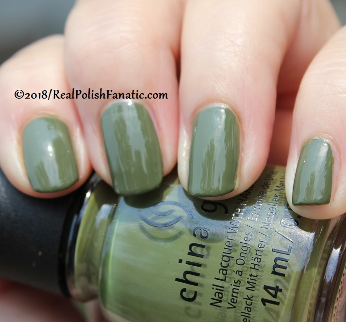 China Glaze - Central Parka -- Ready To Wear FW 18 Collection (9)