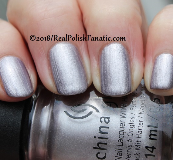 China Glaze - Chic Happens -- Ready To Wear FW 18 Collection (16)