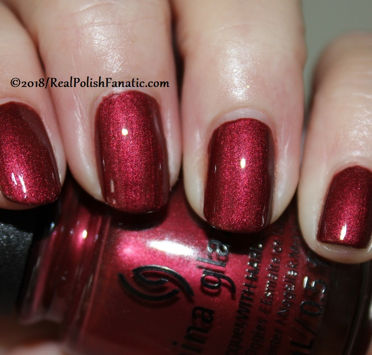 China Glaze - Haute Blooded -- Ready To Wear FW 18 Collection (14)