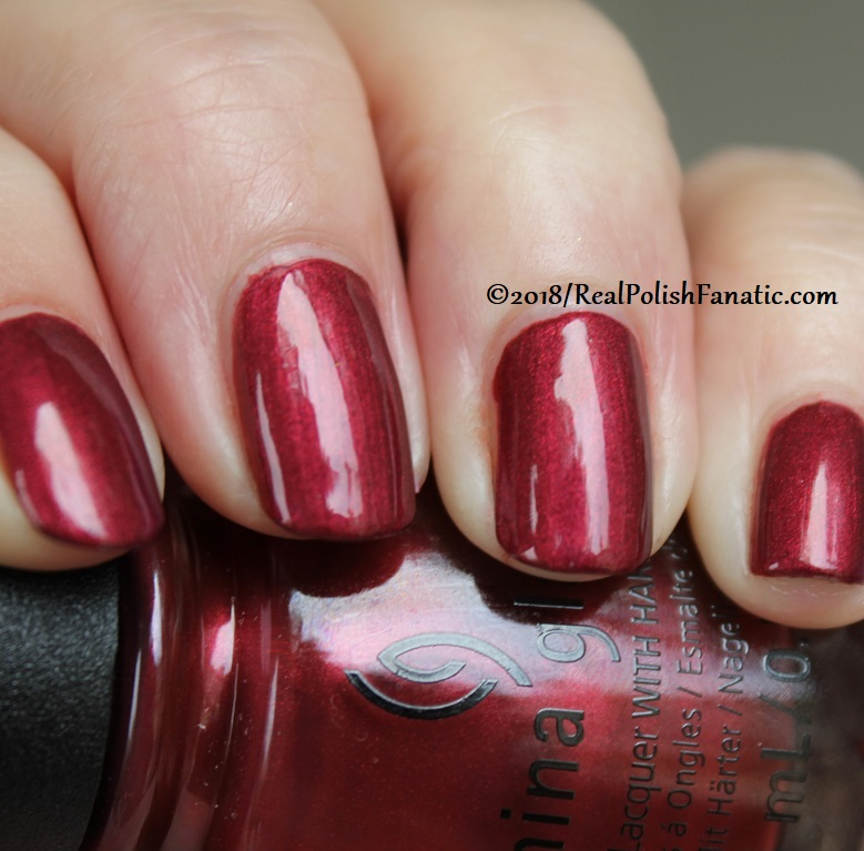 China Glaze - Haute Blooded -- Ready To Wear FW 18 Collection (17)