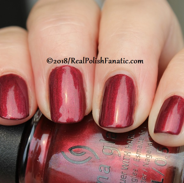 China Glaze - Haute Blooded -- Ready To Wear FW 18 Collection (20)
