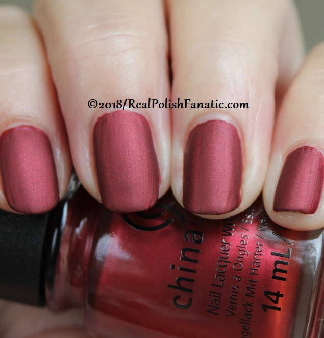 China Glaze - Haute Blooded -- Ready To Wear FW 18 Collection (6)