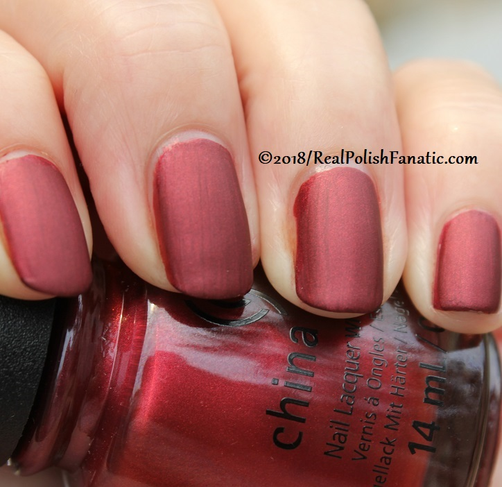 China Glaze - Haute Blooded -- Ready To Wear FW 18 Collection (9)