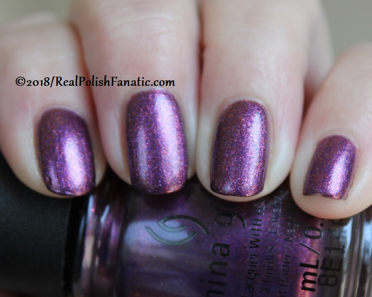 China Glaze - Pay It Fashion Forward -- Ready To Wear FW 18 Collection (10)