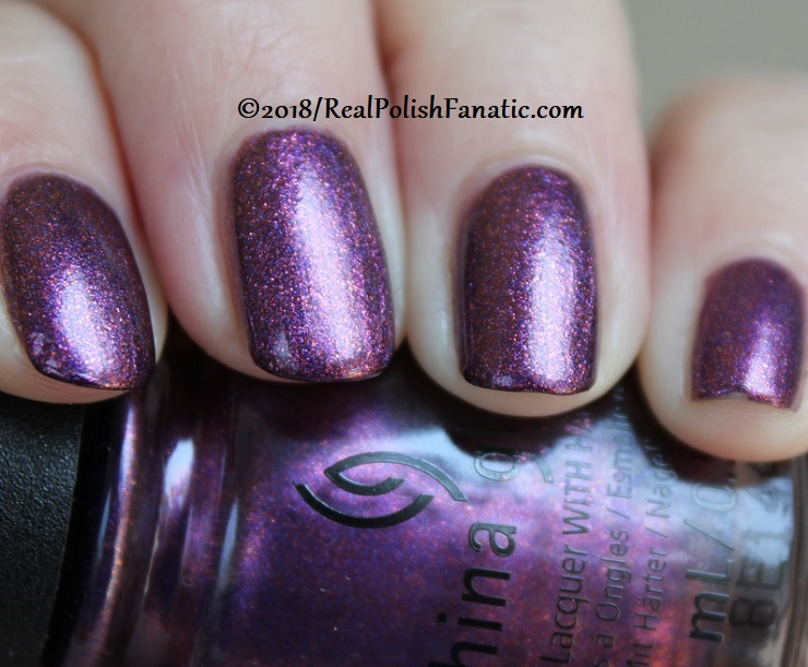 China Glaze - Pay It Fashion Forward -- Ready To Wear FW 18 Collection (11)