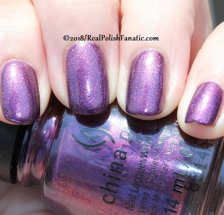 China Glaze - Pay It Fashion Forward -- Ready To Wear FW 18 Collection (20)