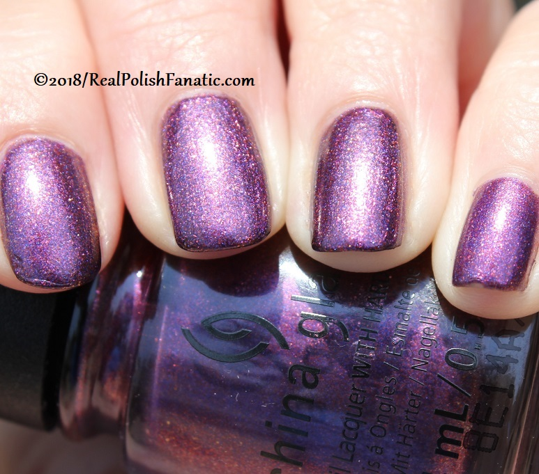 China Glaze - Pay It Fashion Forward -- Ready To Wear FW 18 Collection (21)