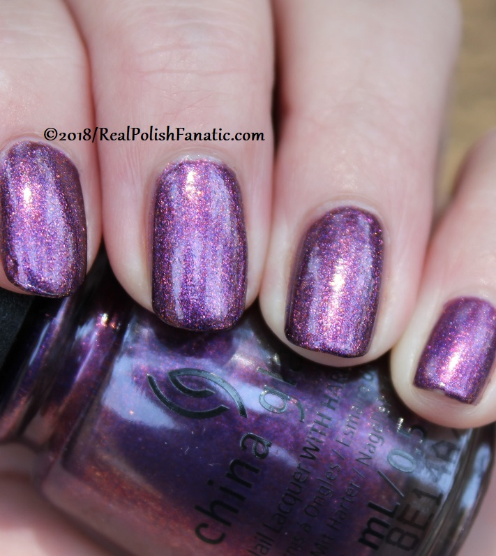 China Glaze - Pay It Fashion Forward -- Ready To Wear FW 18 Collection (25)