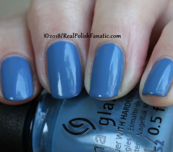 China Glaze - Sample Sizing Me Up -- Ready To Wear FW 18 Collection (10)