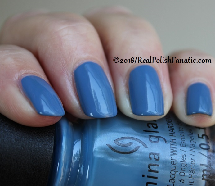 China Glaze - Sample Sizing Me Up -- Ready To Wear FW 18 Collection (11)