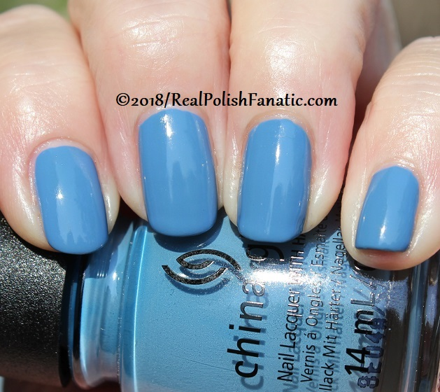 China Glaze - Sample Sizing Me Up -- Ready To Wear FW 18 Collection (13)