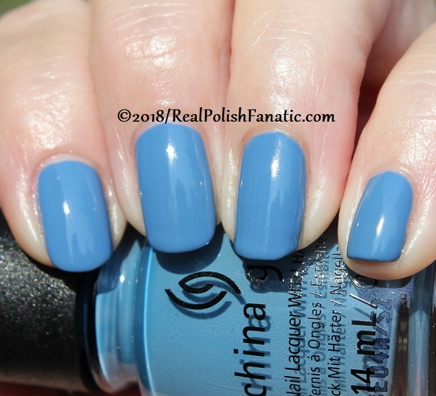 China Glaze - Sample Sizing Me Up -- Ready To Wear FW 18 Collection (14)