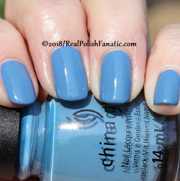 China Glaze - Sample Sizing Me Up -- Ready To Wear FW 18 Collection (15)