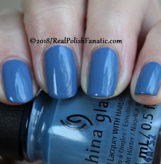 China Glaze - Sample Sizing Me Up -- Ready To Wear FW 18 Collection (9)