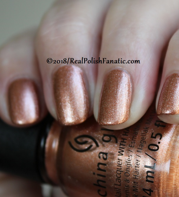 China Glaze - Swatch Out! -- Ready To Wear FW 18 Collection (7)