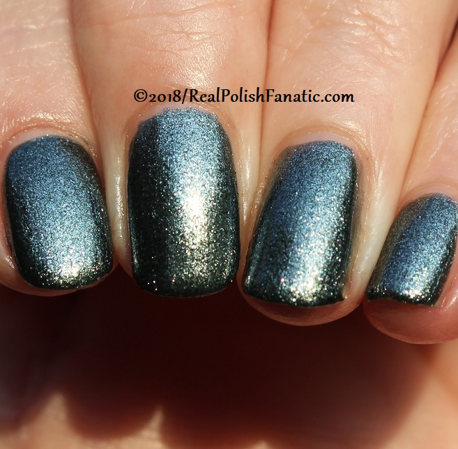 China Glaze - Vest Friends -- Ready To Wear FW 18 Collection (19)