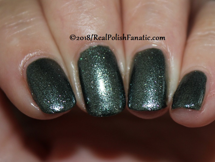 China Glaze - Vest Friends -- Ready To Wear FW 18 Collection (7)