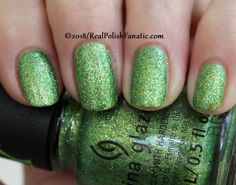 China Glaze - Grinchworthy -- Holiday 2018 Grinch Collection (13)