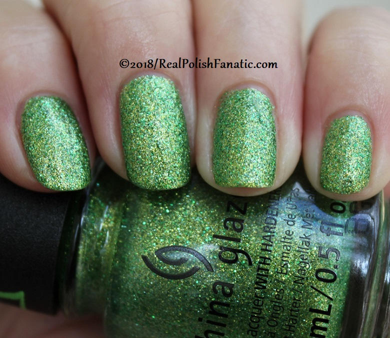 China Glaze - Grinchworthy -- Holiday 2018 Grinch Collection (14)