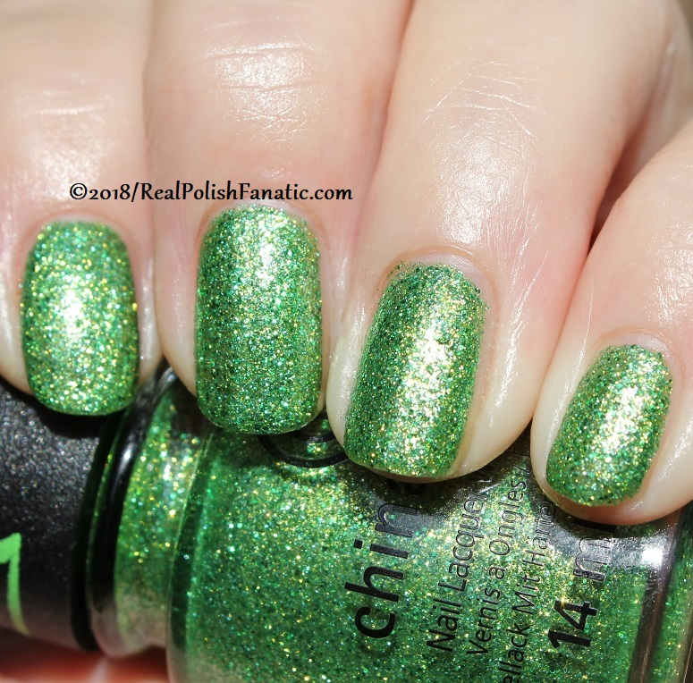 China Glaze - Grinchworthy -- Holiday 2018 Grinch Collection (20)