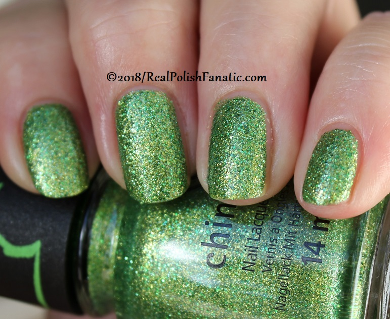 China Glaze - Grinchworthy -- Holiday 2018 Grinch Collection (22)
