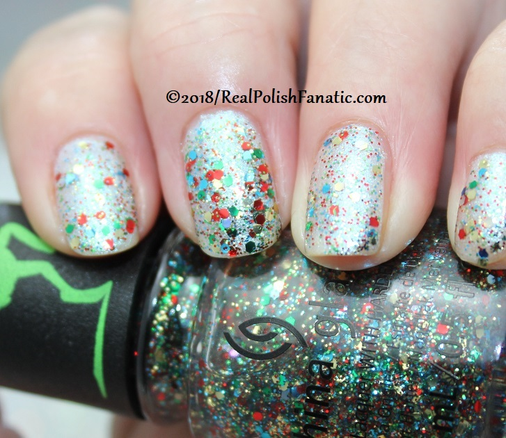 China Glaze - Resting Grinch Face -- Holiday 2018 Grinch Collection (5)