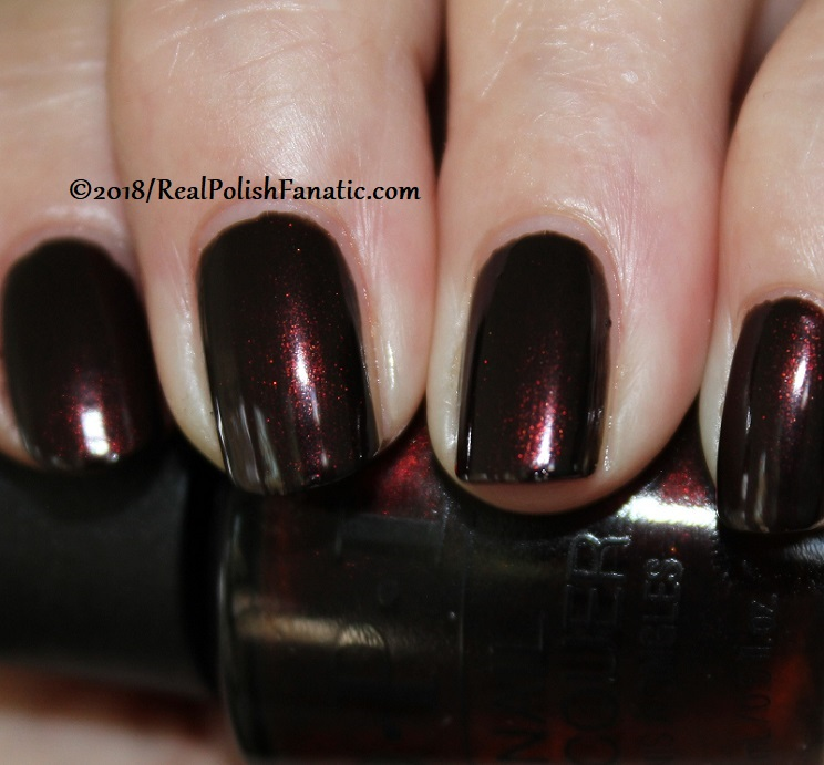 OPI - Black to Reality -- Holiday 2018 Disney's The Nutcracker and the Four Realms Collection (4)