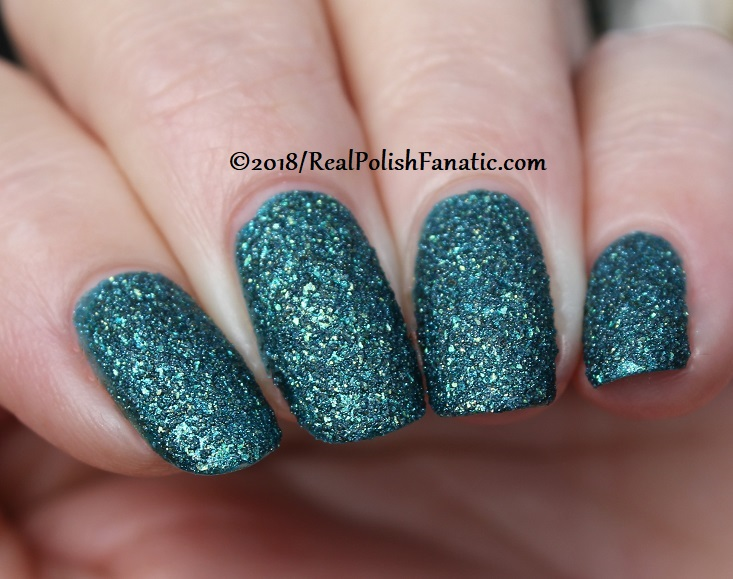 Essie - Night Owl -- Fall 2018 Concrete Glitter Collection (30)