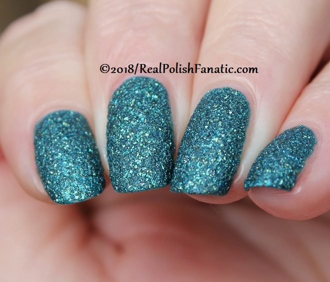Essie - Night Owl -- Fall 2018 Concrete Glitter Collection (31)