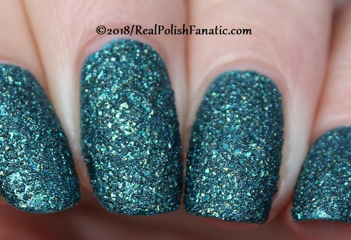 Essie - Night Owl -- Fall 2018 Concrete Glitter Collection (32)