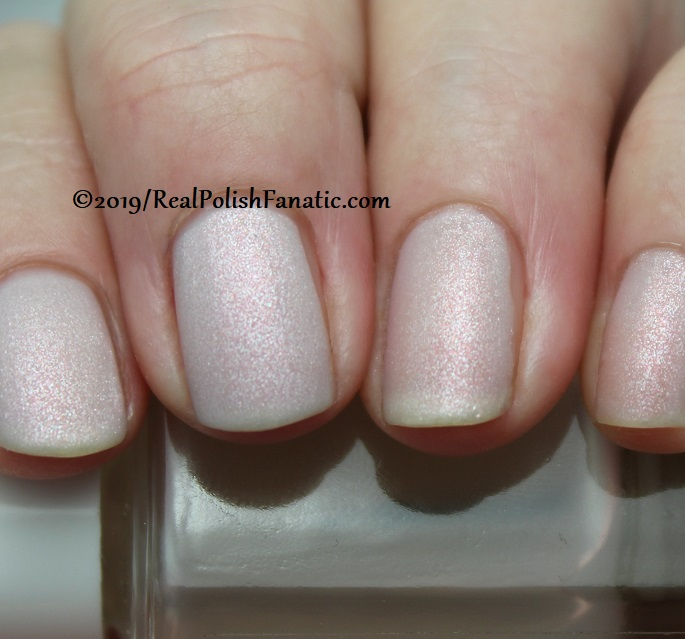 OPI - Engage-meant to Be and Throw Me A Kiss (matte) - Always Bare For You Collection - Soft Shades Spring 2019 (1)