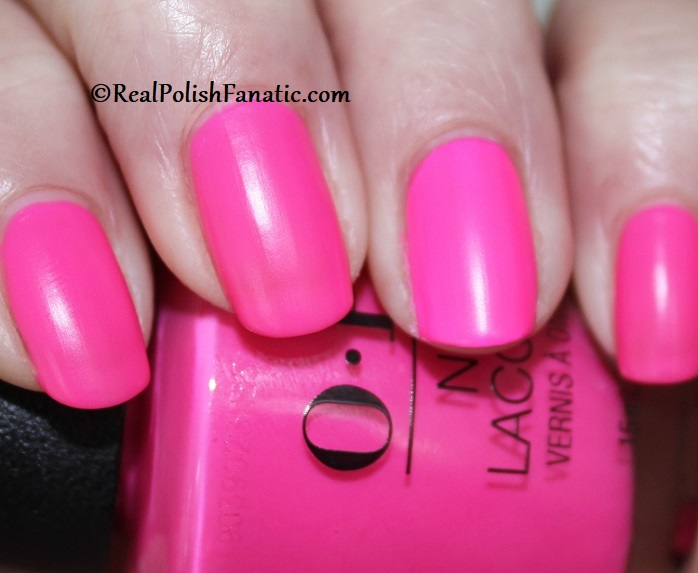 OPI - V·I·Pink Passes -- Neon Collection Summer 2019 (6)