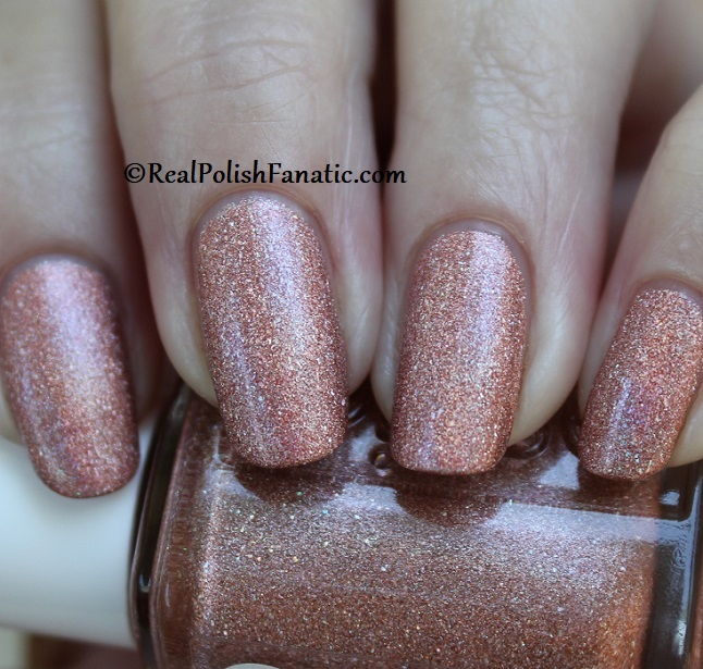 Essie - Gorge-ous Geodes 1567 - Gorgeous Geodes Collection June 2019 (12)