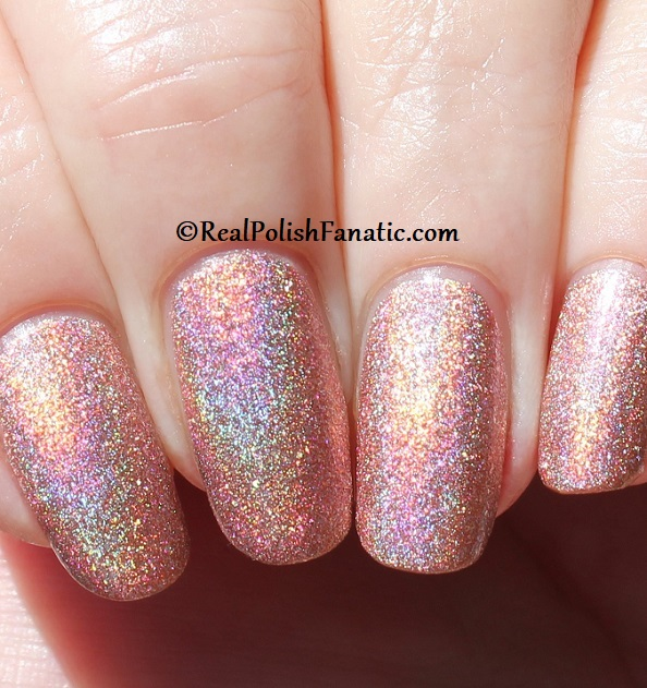 Essie - Gorge-ous Geodes 1567 - Gorgeous Geodes Collection June 2019 (16)