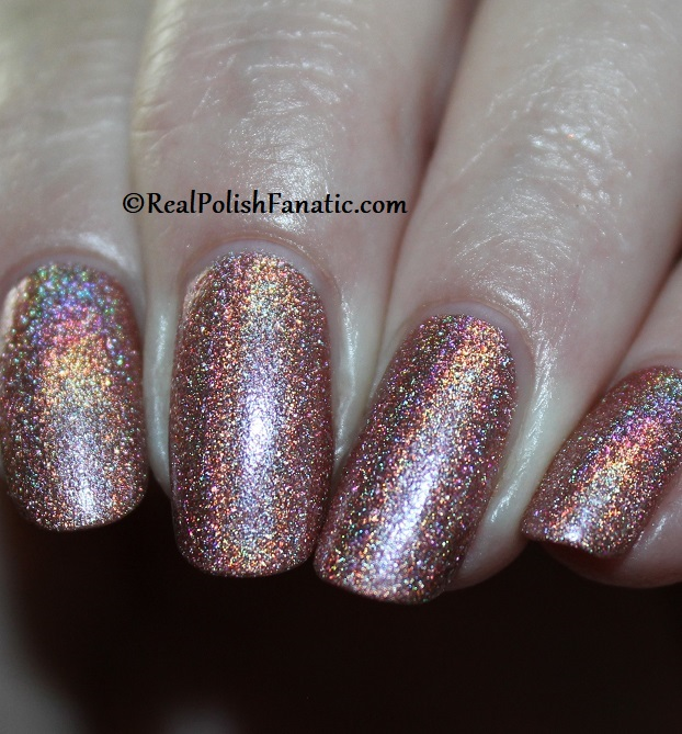 Essie - Gorge-ous Geodes 1567 - Gorgeous Geodes Collection June 2019 (23)