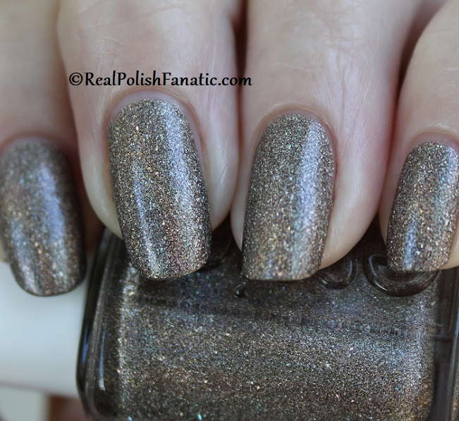 Essie - Stop, Look & Glisten 1570 - Gorgeous Geodes Collection June 2019 (12)