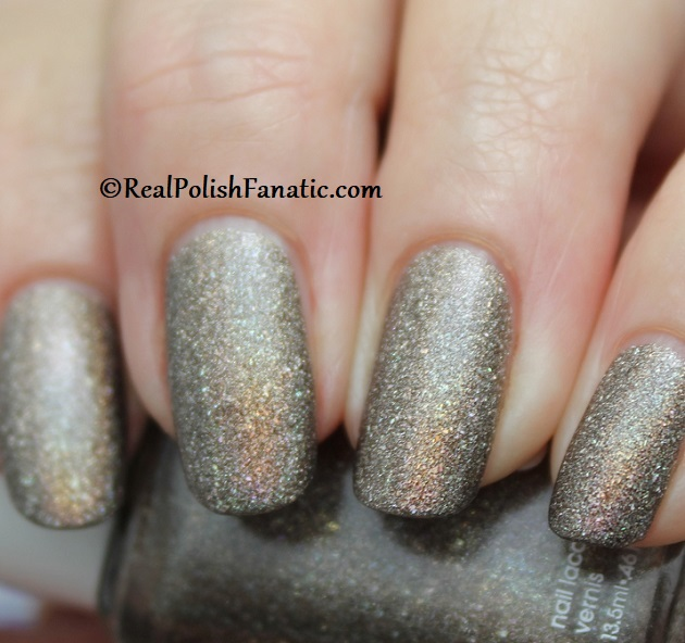 Essie - Stop, Look & Glisten 1570 - Gorgeous Geodes Collection June 2019 (9)