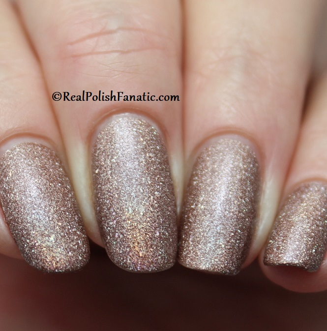 Essie - You're A Gem 1569 - Gorgeous Geodes Collection June 2019 (9)