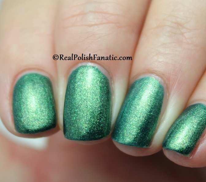 China Glaze - Green With Jealousy -- Catch A Color Collection Halloween 2019 (7.1) (3)