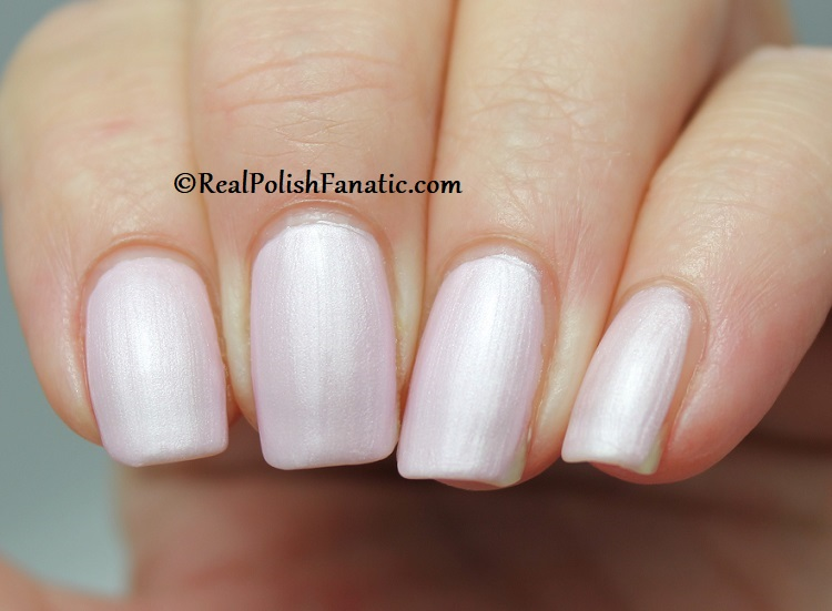 OPI - A Hush of Blush -- OPI Hello Kitty 2019 Holiday Collection (13)