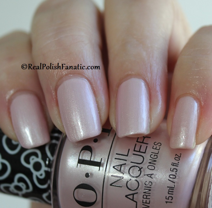 OPI - A Hush of Blush -- OPI Hello Kitty 2019 Holiday Collection (16)