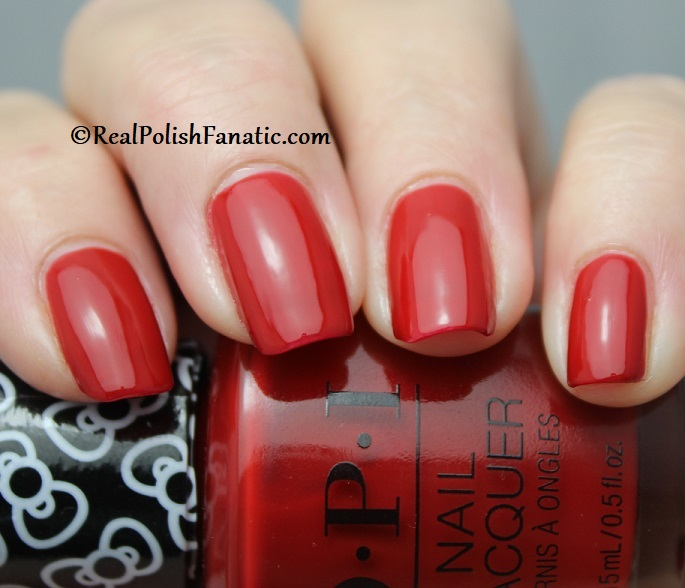 OPI - A Kiss on the Chic -- OPI Hello Kitty 2019 Holiday Collection (11)