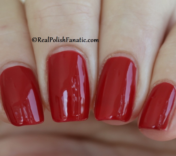 OPI - A Kiss on the Chic -- OPI Hello Kitty 2019 Holiday Collection (15)