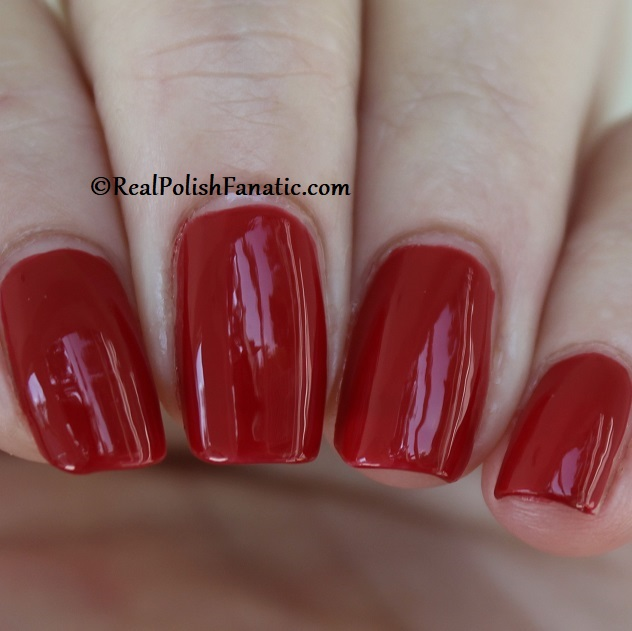 OPI - A Kiss on the Chic -- OPI Hello Kitty 2019 Holiday Collection (18)