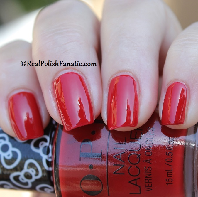 OPI - A Kiss on the Chic -- OPI Hello Kitty 2019 Holiday Collection (21)