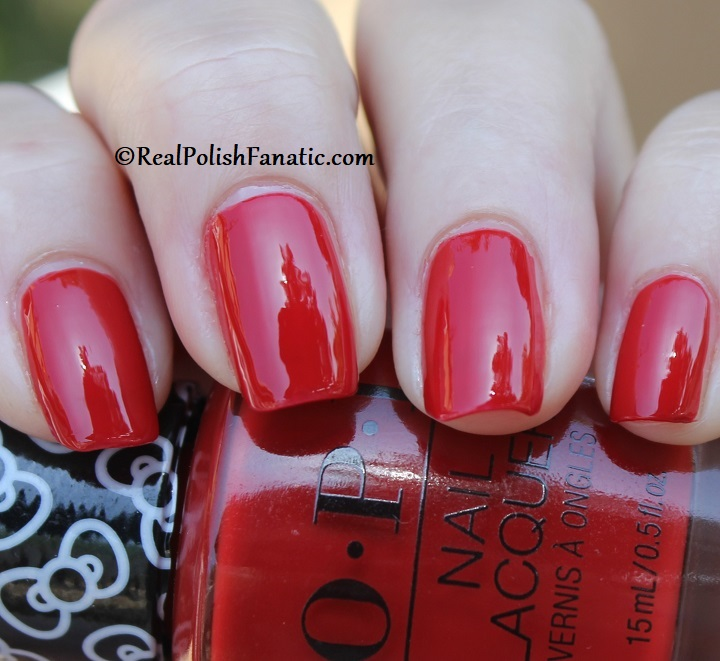 OPI - A Kiss on the Chic -- OPI Hello Kitty 2019 Holiday Collection (23)